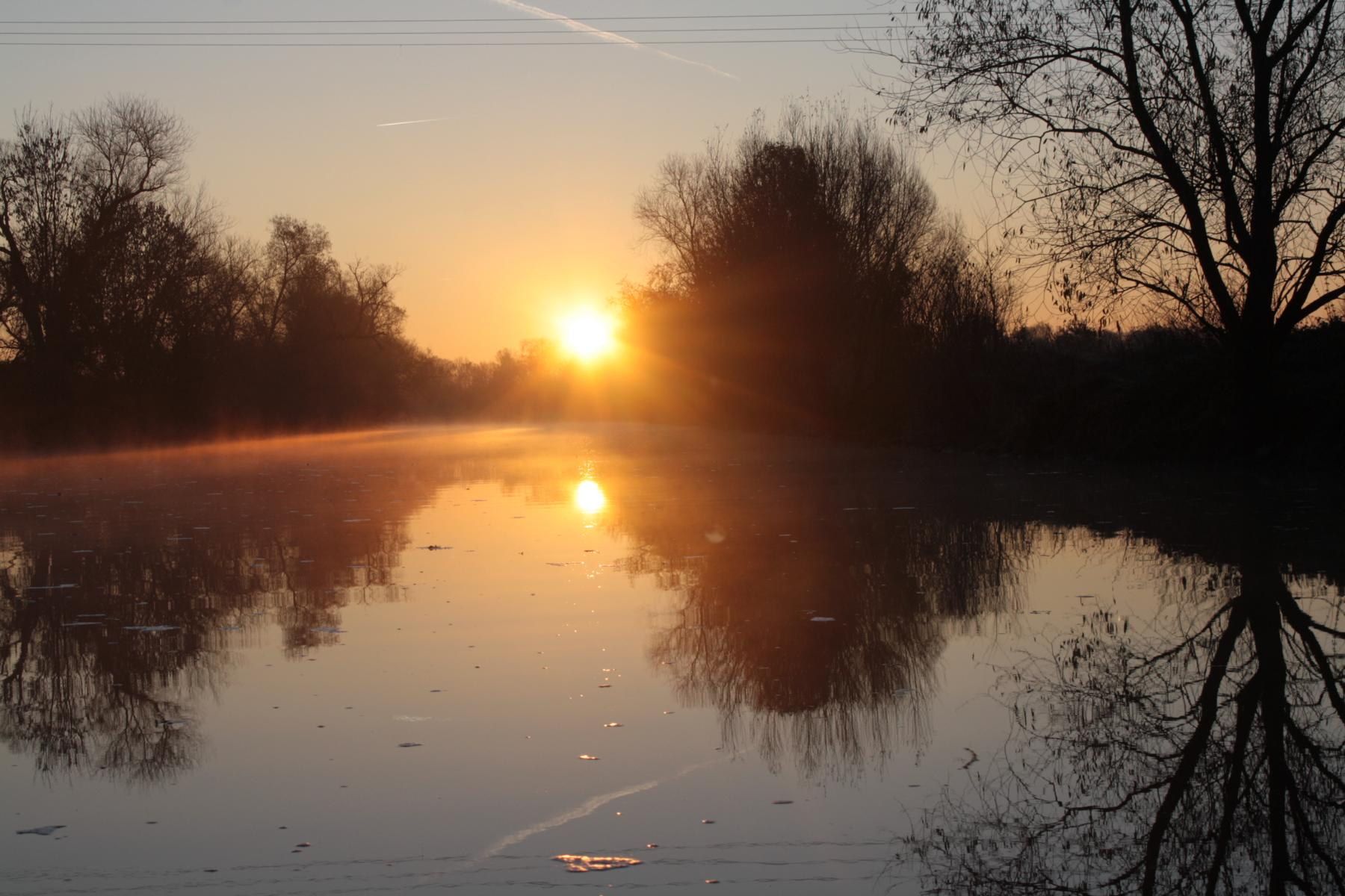 Sonnenuntergang auf der Sieg